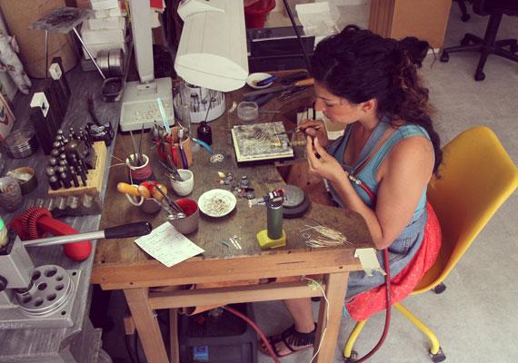 etsy-featuredshop-lunaticart-etsyinternational-handmadejewelry-studio2