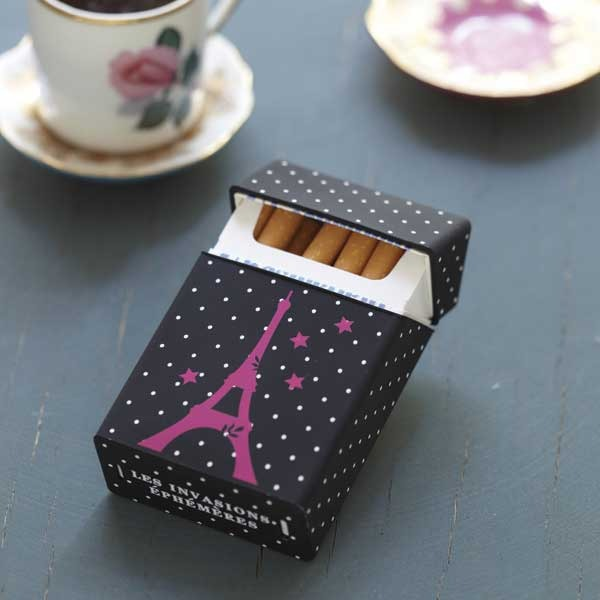 tuis pour paquets de cigarettes les invasions eph m res rise and shine. Black Bedroom Furniture Sets. Home Design Ideas