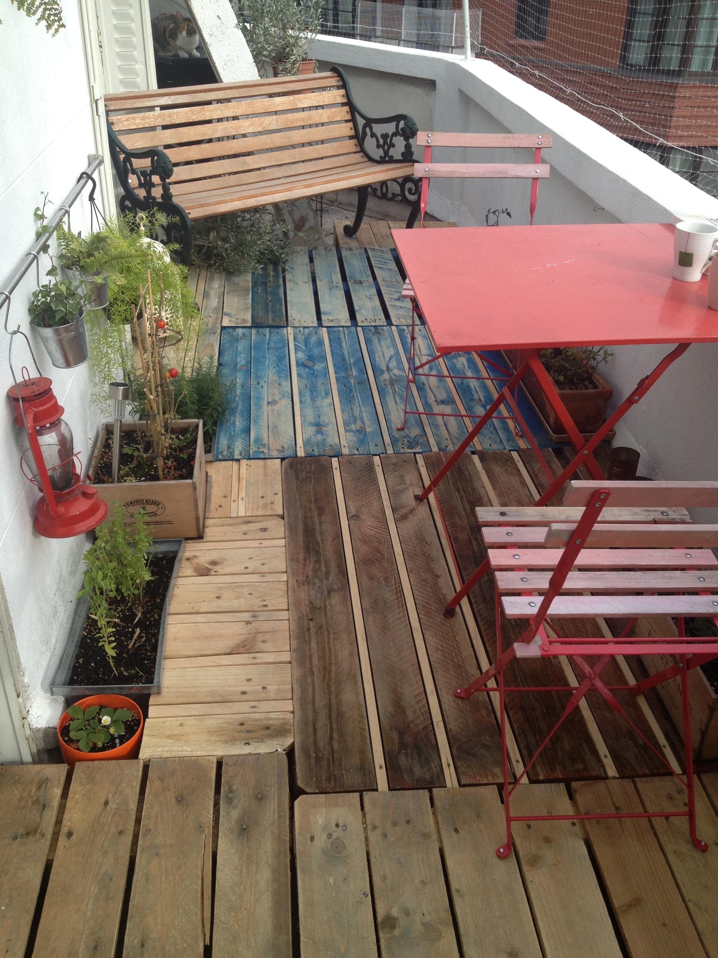 terrasse en palette europe stunning faire terrasse jardin pas cher avignon jardin phenomenal. Black Bedroom Furniture Sets. Home Design Ideas