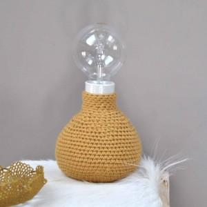 lampe-en-crochet-coloris